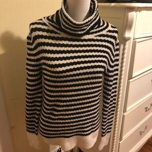 BANANA REPUBLIC Sz Small Turtle Neck Sweater.